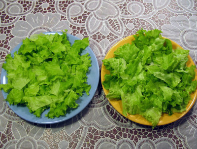 Фото этапа приготовления салата Цезарь
