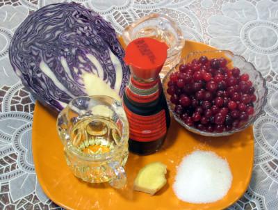 Салат из краснокочанной капусты — фото продуктов