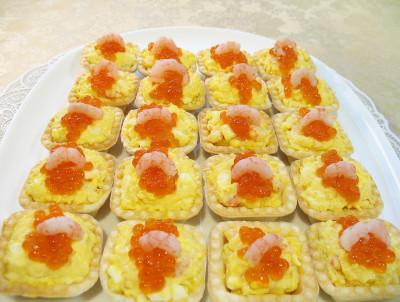 Салат в тарталетках с креветками рецепт с фото