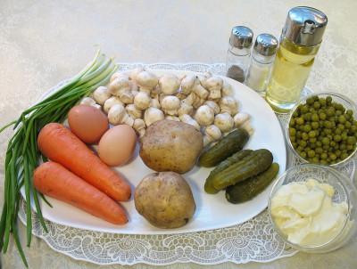 Рецепт зимнего салата с шампиньонами— фото продуктов