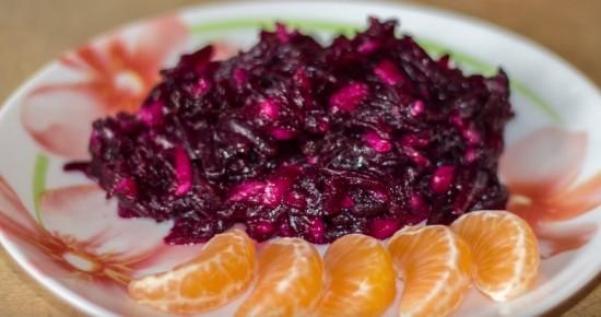 Салат из свёклы с черносливом без майонеза