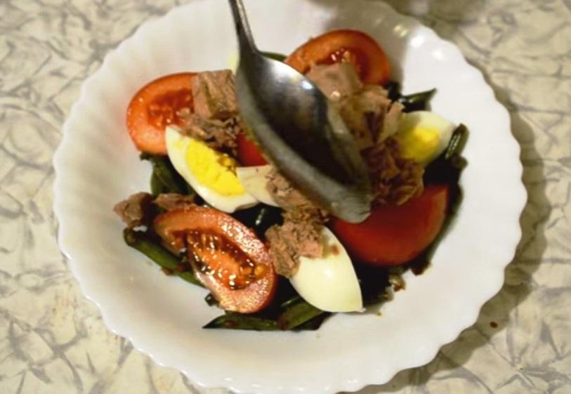 диетический салат с яйцом