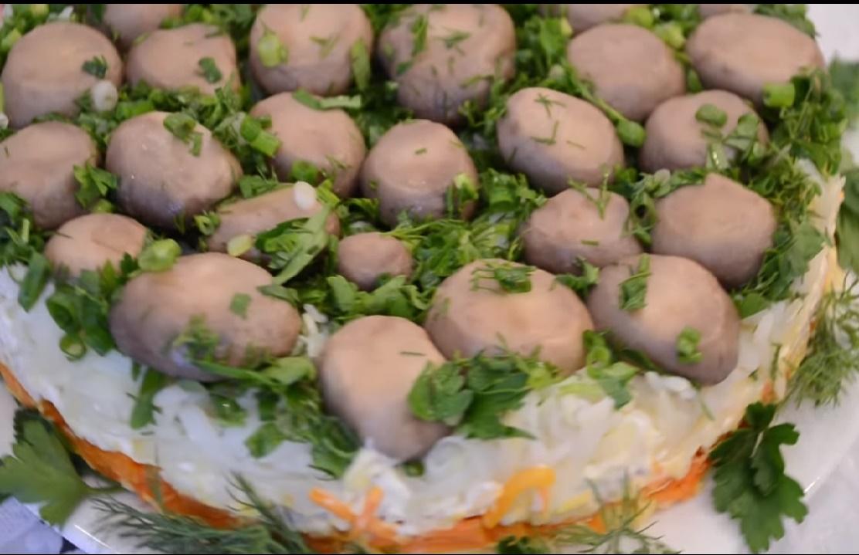 Салат из маринованных шампиньон