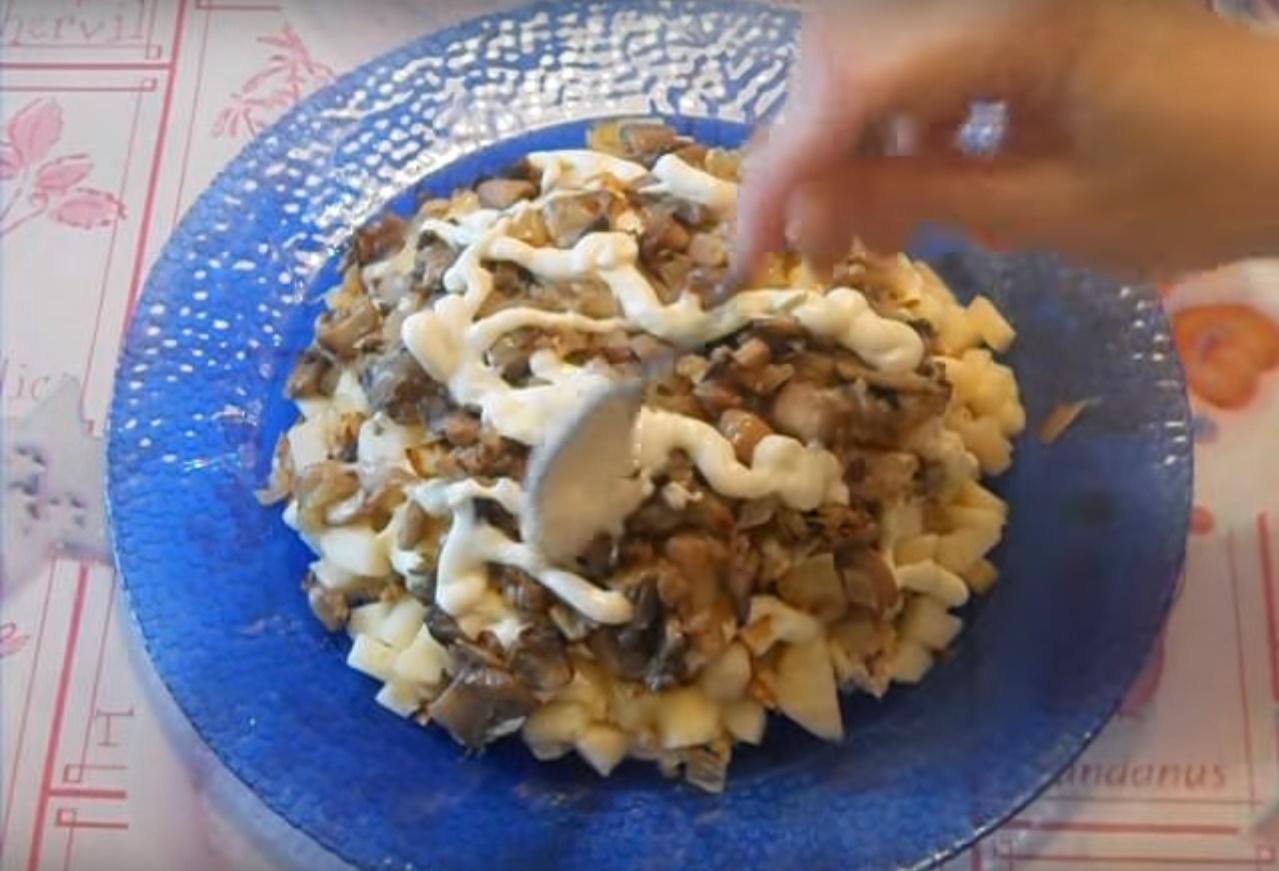 Салат из грибов шампиньонов пошаговое фото