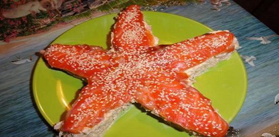 """Салат """"Морская звезда"""" с красной рыбой"""