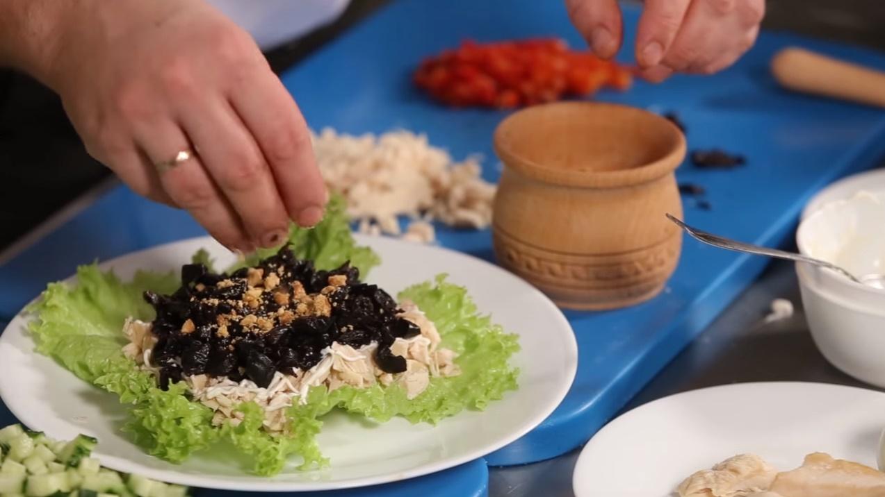 рецепт салата нежность с ананасом с фото