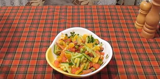 Салат с красной рыбой и грейпфрутом