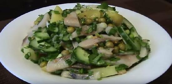 Салат с сельдью и картофелем