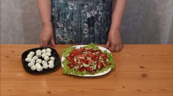 Сервируем салат